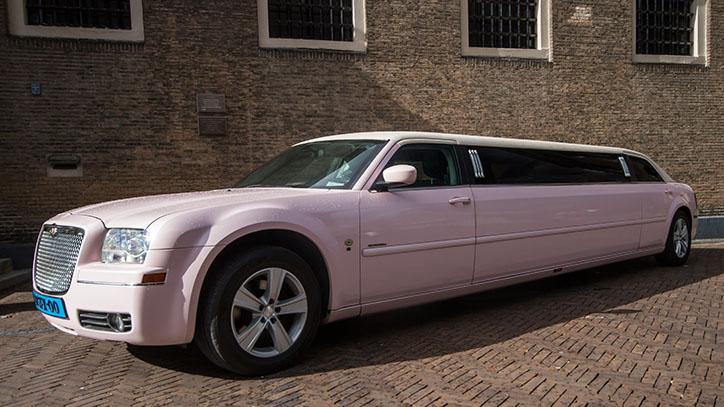 Roze limousine